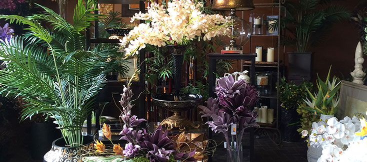 Silk flowers, decor and much more in our stores!